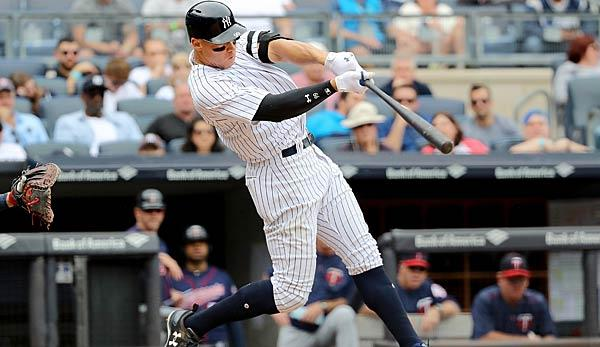 MLB: Yankees and Red Sox march in step
