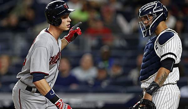 MLB: Rare Kepler-Homer too little for twins