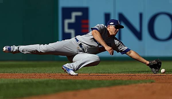 MLB: Dodgers worry about Cory Seager's elbows
