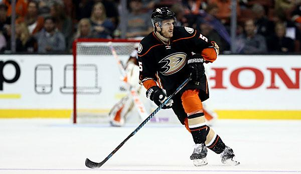NHL: Holzer two more years in Anaheim