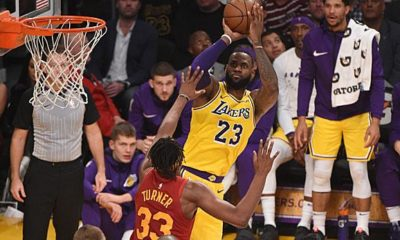 NBA: LeBron turns up late - clips stay on top