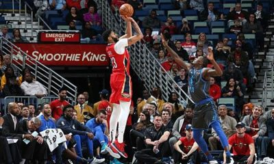 NBA: Davis and Randle dominate Blowout in Dallas